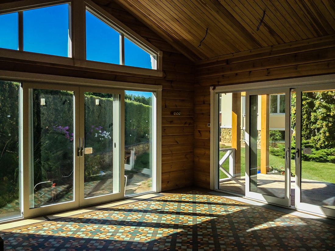 Интерьер дома из бруса, интерьер деревянного дома из бруса внутри фото