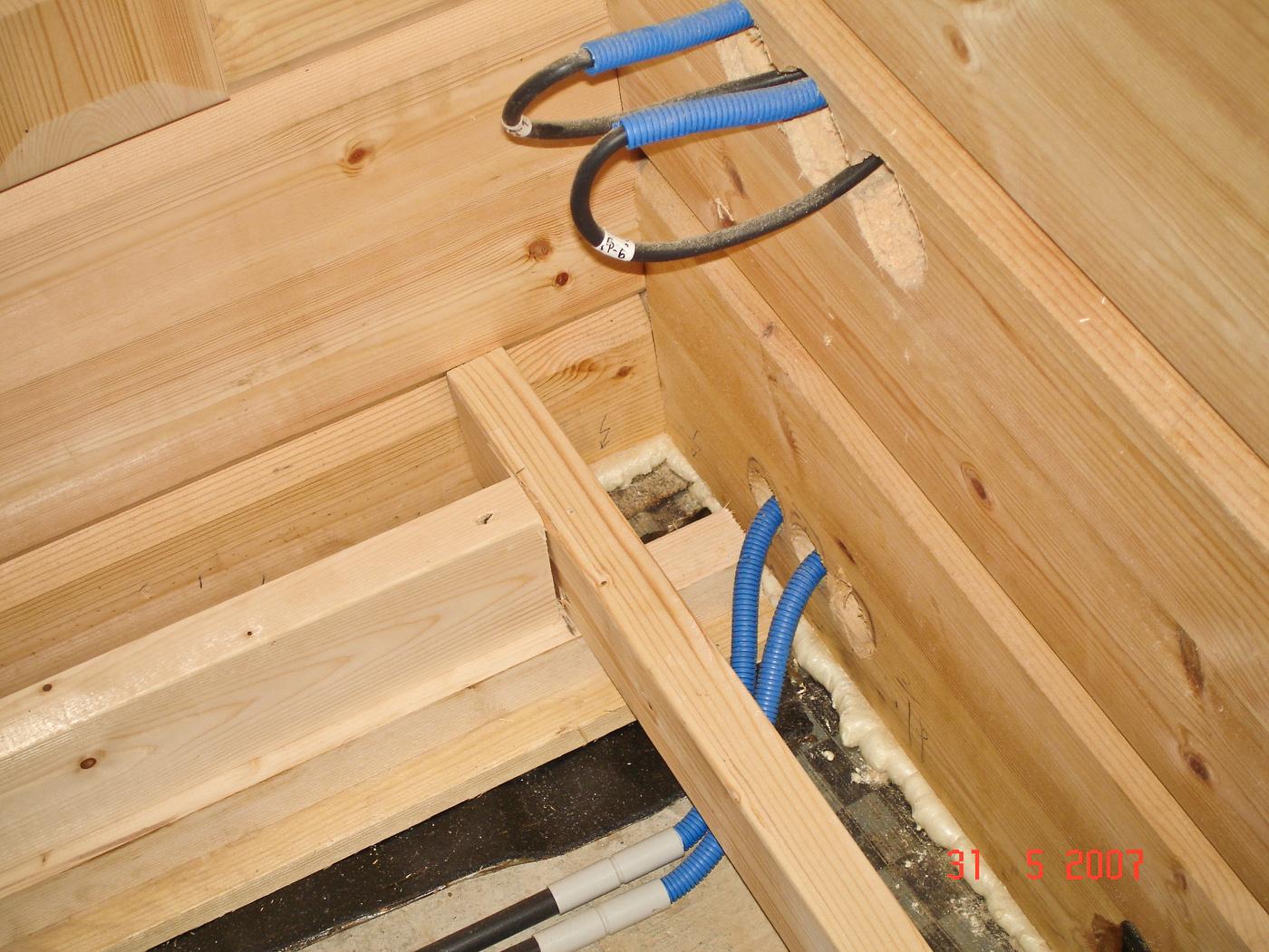 Как сделать проводку скрытую проводку в деревянном доме